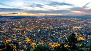モンセラーテ山の山頂から見たボゴタの眺め