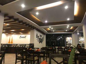ヒマラヤンフロントホテルのレストラン